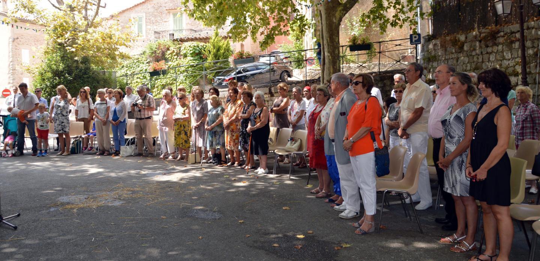 Les participants qui étaient au rendez-vous ont apprécié l'ombrage et « l'apéritif déjeunatoire » offert.