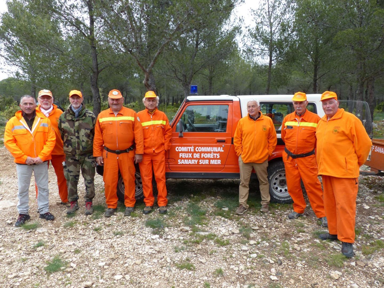 Quelques membres du CCFF  dans la forêt du Gros-Cerveau.