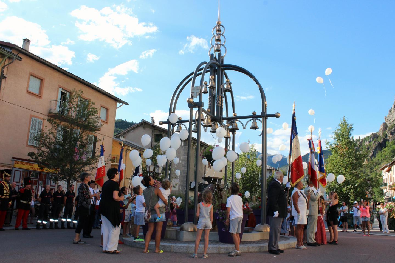 Le fier coq de Saint-Dalmas veille aux discours !