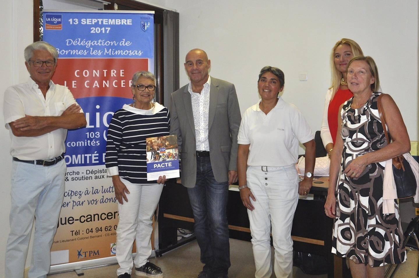 Le maire François Arizzi a signé une convention de partenariat avec les responsables de l'antenne varoise de la ligue contre le cancer.
