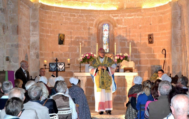 Monseigneur Rey a célébré la messe.