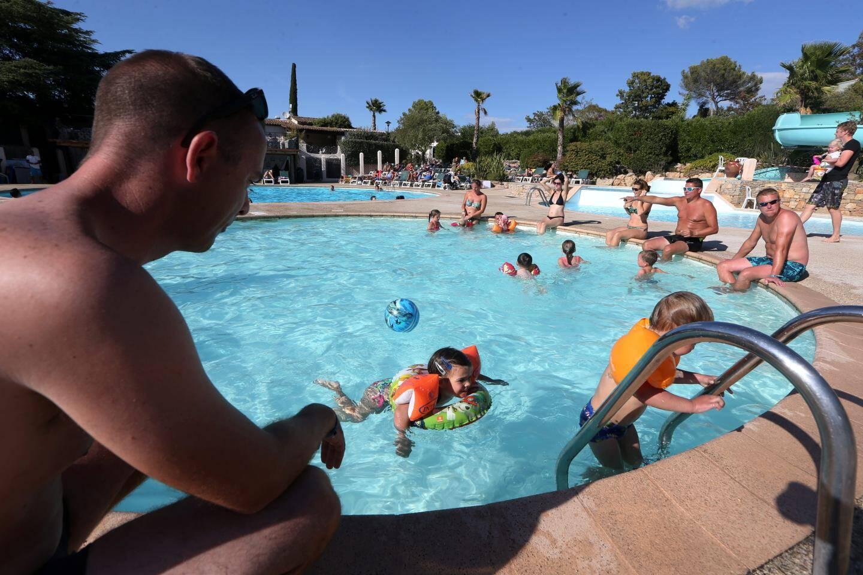 L'hôtellerie de plein air fait le plein en cette fin d'été dans le Var. à l'image d'Estérel Caravaning à Saint-Raphaël, qui affiche d'ores et déjà complet pour ce mois de septembre.