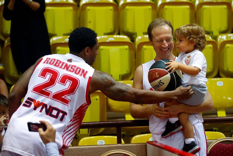Pour le lancement de la saison, en septembre dernier, Sergueï Dyadechko, avec dans les bras son troisième fils, avait revêtu lui aussi la panoplie de la Roca Team.