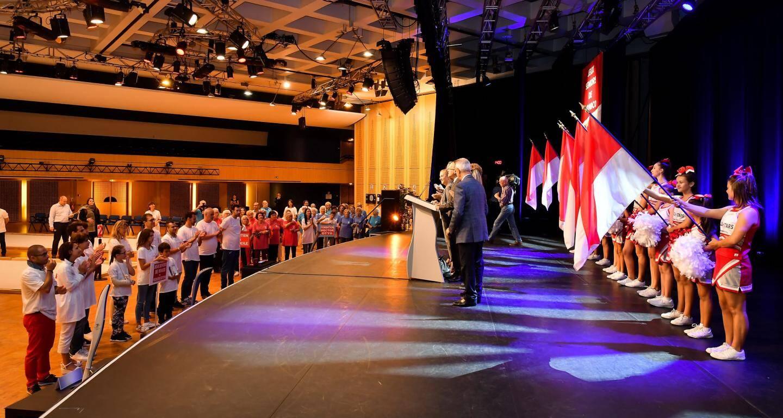 La journée s'est ouverte par une cérémonie officielle à l'espace Léo-Ferré, théâtre ensuite de la compétition.