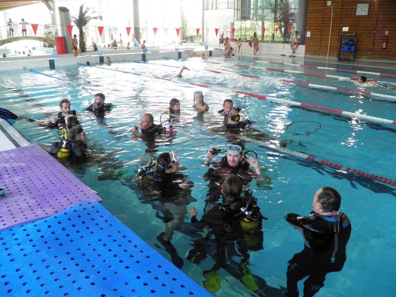 Sept moniteurs ont été formés à la piscine Aquasud pour encadrer des personnes handicapées.