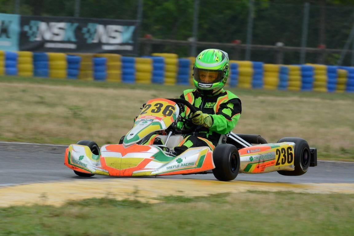 Champion du monde de karting, pilote de Formule 1… Hugo a des rêves pleins la tête et toute sa carrière devant lui.