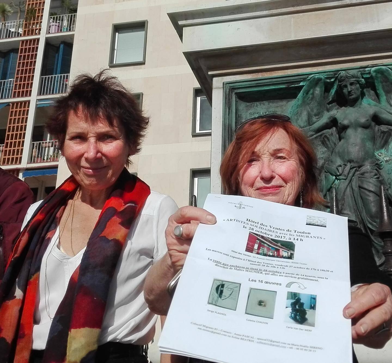 Marie-Noëlle Sereno et Annie Pascal, deux membres du Collectif Migrants 83 et des organisatrices de la vente aux enchères.