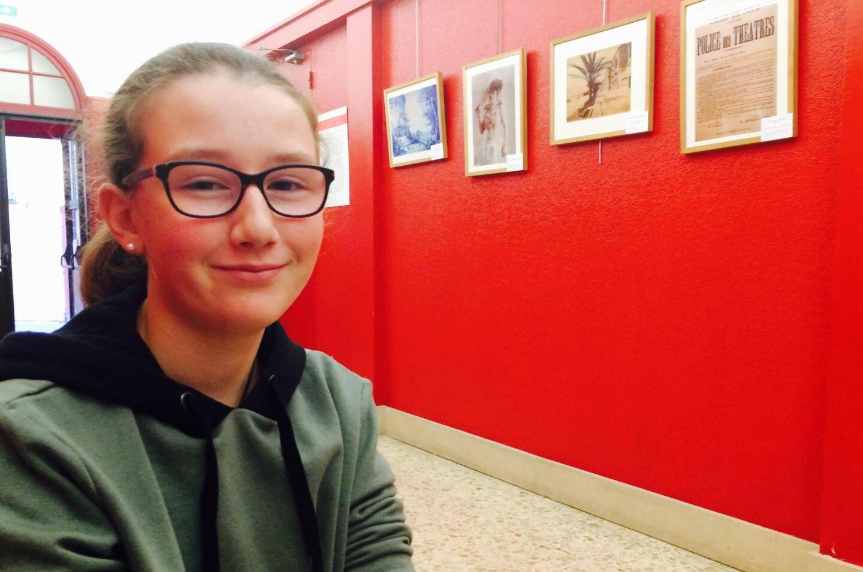 """Marion, 12 ans, au théâtre Francis Gag: """"il y a beaucoup de travail pour mémoriser les dialogues."""""""