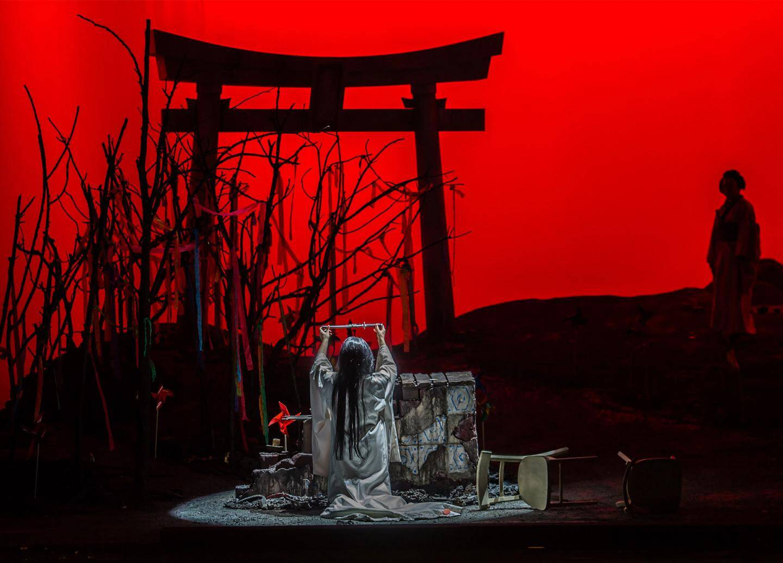 L'Opéra en trois actes Madama