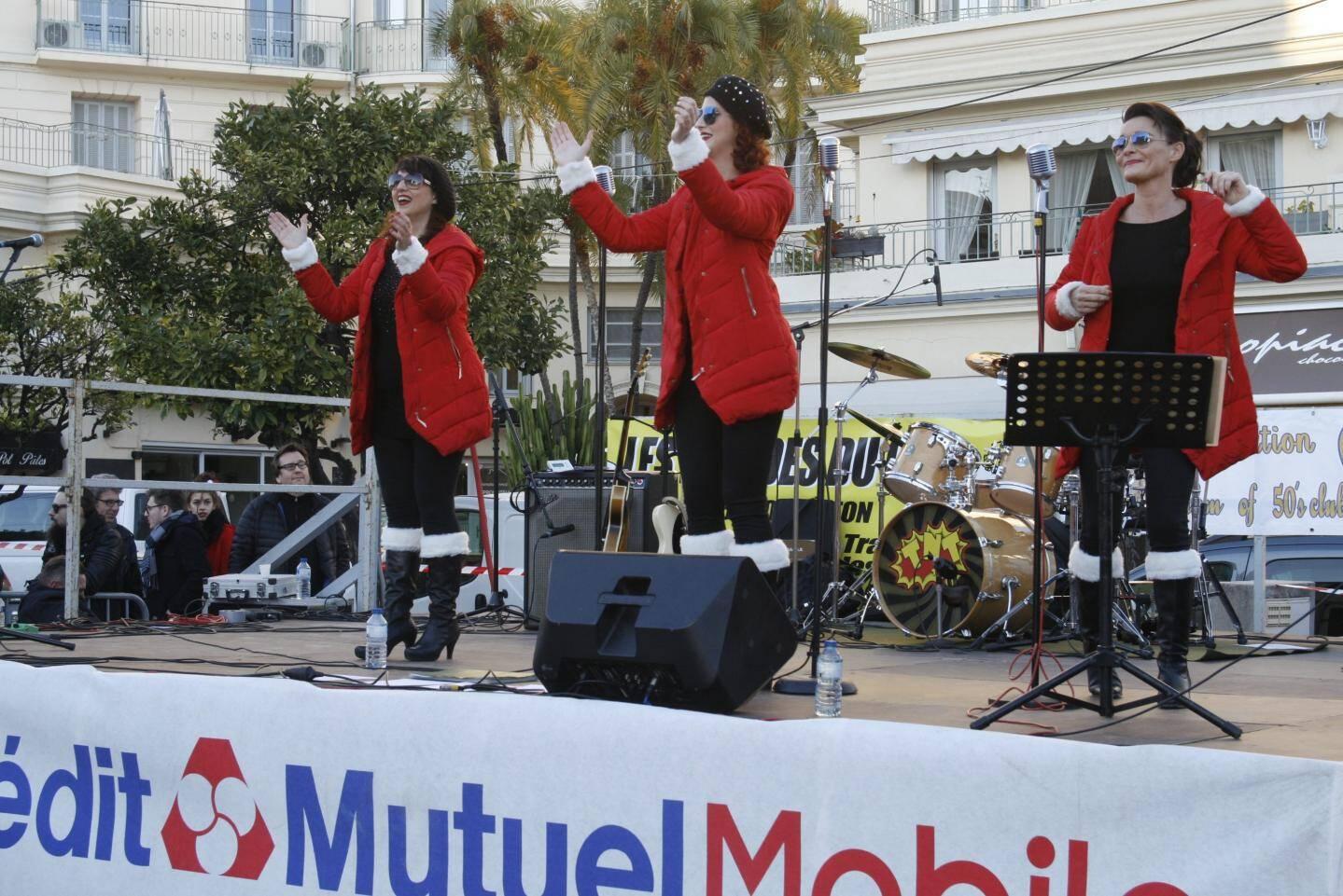 Les trois chanteuses de Boogie Cherry ont conquis le public avec leur répertoire et leur petite touche glamour.