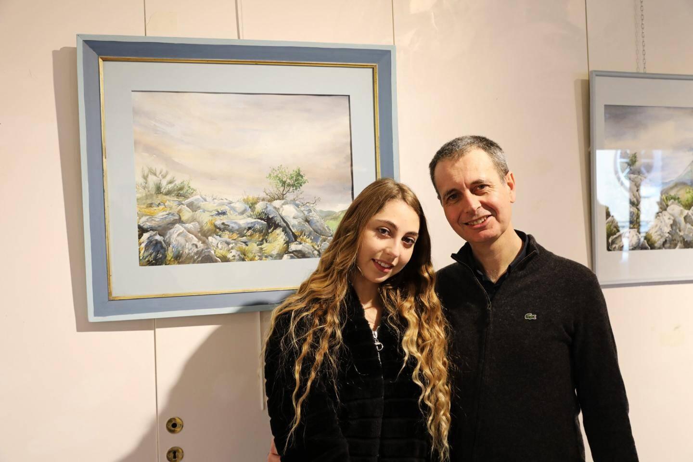 Tony Szabo n'avait plus exposé dans le Pays mentonnais depuis 9 ans. Sa fille et les paysages azuréens sont sa source d'inspiration, comme pour ce tableau qui est l'un de ses préférés et qui a nécessité plus de 13 heures de travail.