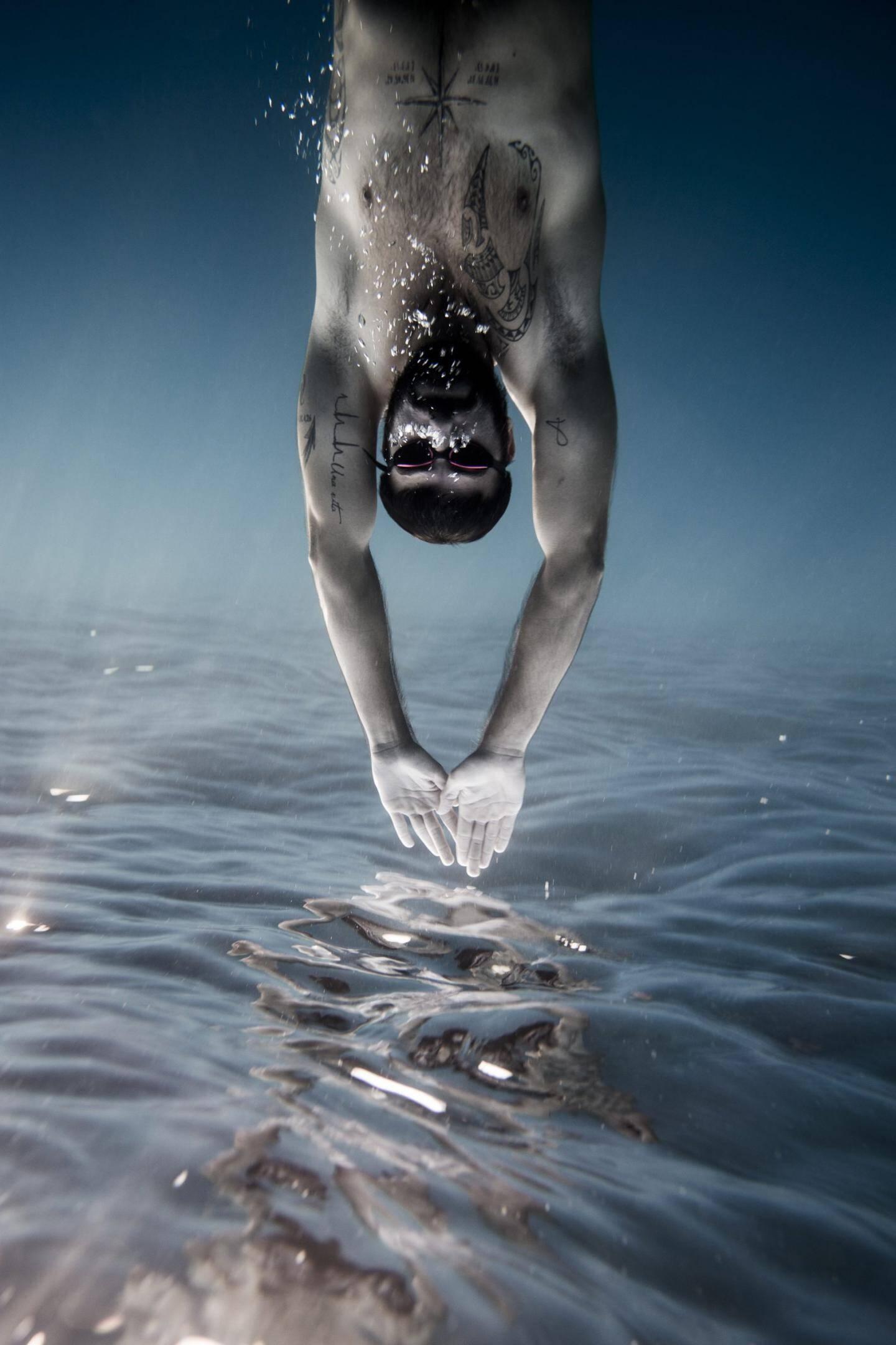 Au bout du Cap-Martin, Florian a capturé cette image poétique de son ami Julien Paul Gonzales, pompier et nageur de compétition