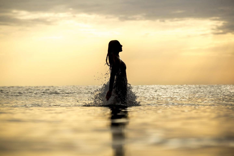 Ce cliché en contre-jour de Myriam, la compagne de Florian, se nomme «Sirena». Il a été pris à la faveur d'un soleil couchant de Biarritz