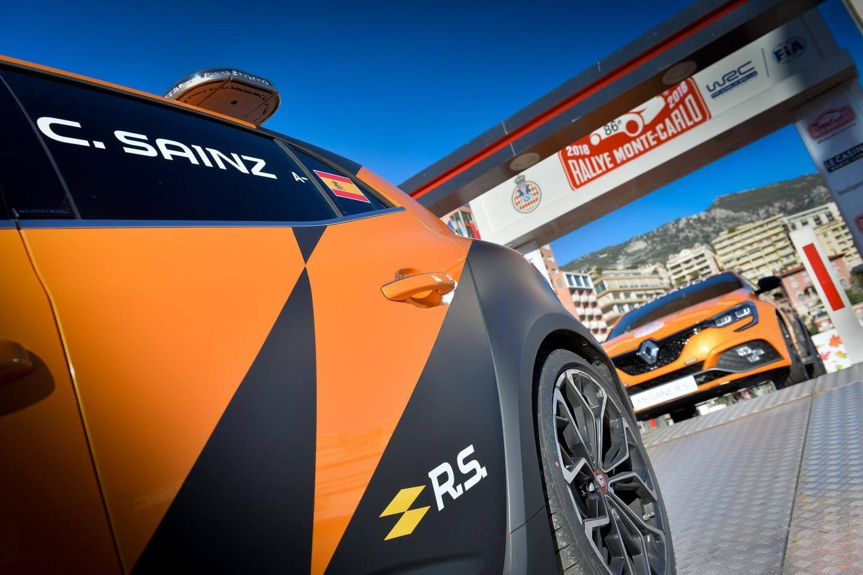 Les nouvelles Mégane R.S. ont été présentées, hier matin à Monaco, en présence notamment de Michel Boeri, président de l'Automobile Club de Monaco ; Patrice Ratti, directeur général de Renault Sport Cars ; et Patrice Cellario, conseiller de gouvernement - ministre de l'Intérieur.