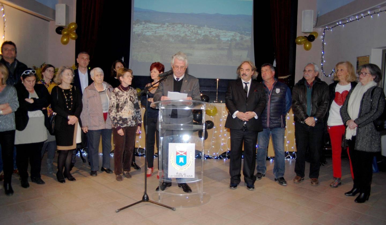 Entouré des élus (y compris de l'opposition), le maire a présenté ses vœux aux forces vives cadiérennes.
