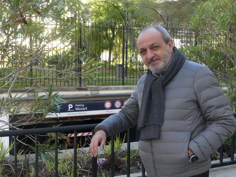 Fred Cremisi est un ami d'enfance de Michèle Laroque.