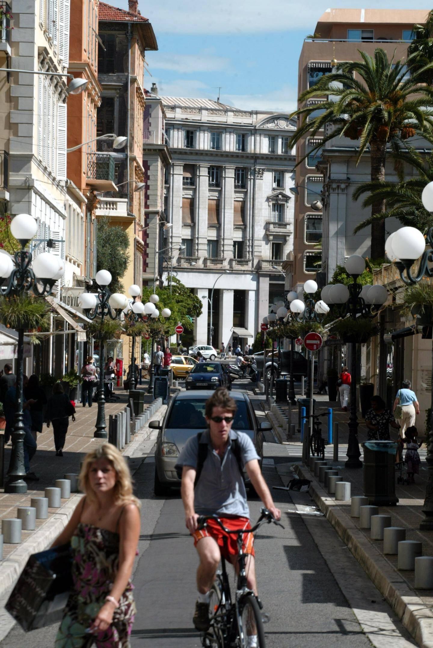La rue de Longchamp, dans le Carré d'or.