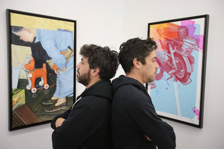 Les frères Arthur et Oscar Maslard se sont inspirés des photographies de leur père pour monter leur première exposition à Nice. Une collection très personnelle, haute en couleur, forte de souvenirs et d'émotions.