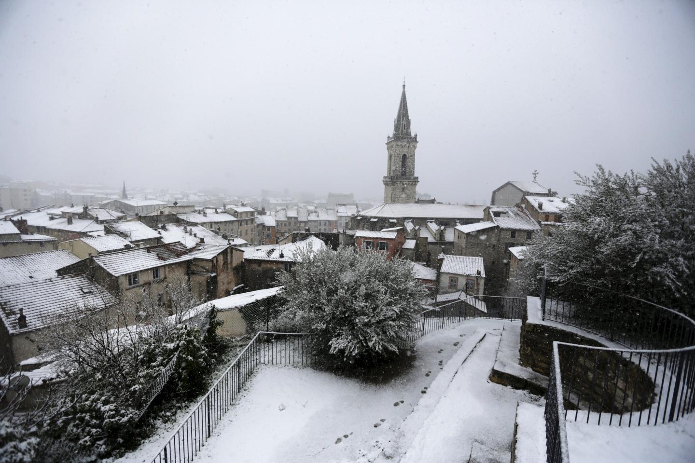 Les flocons sont tombés en abondance à Draguignan comme ailleurs. Si les batailles de boules de neige ont ravi les bambins, les automobilistes ont, eux, été confrontés à des difficultés de circulation.