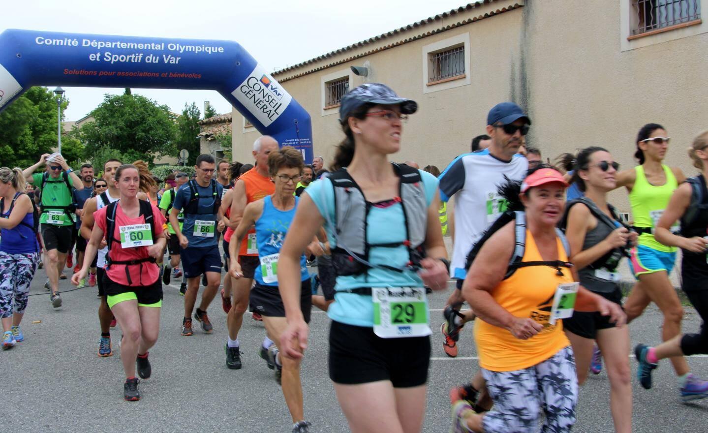 Toujours beaucoup de monde au départ de la course à pied.