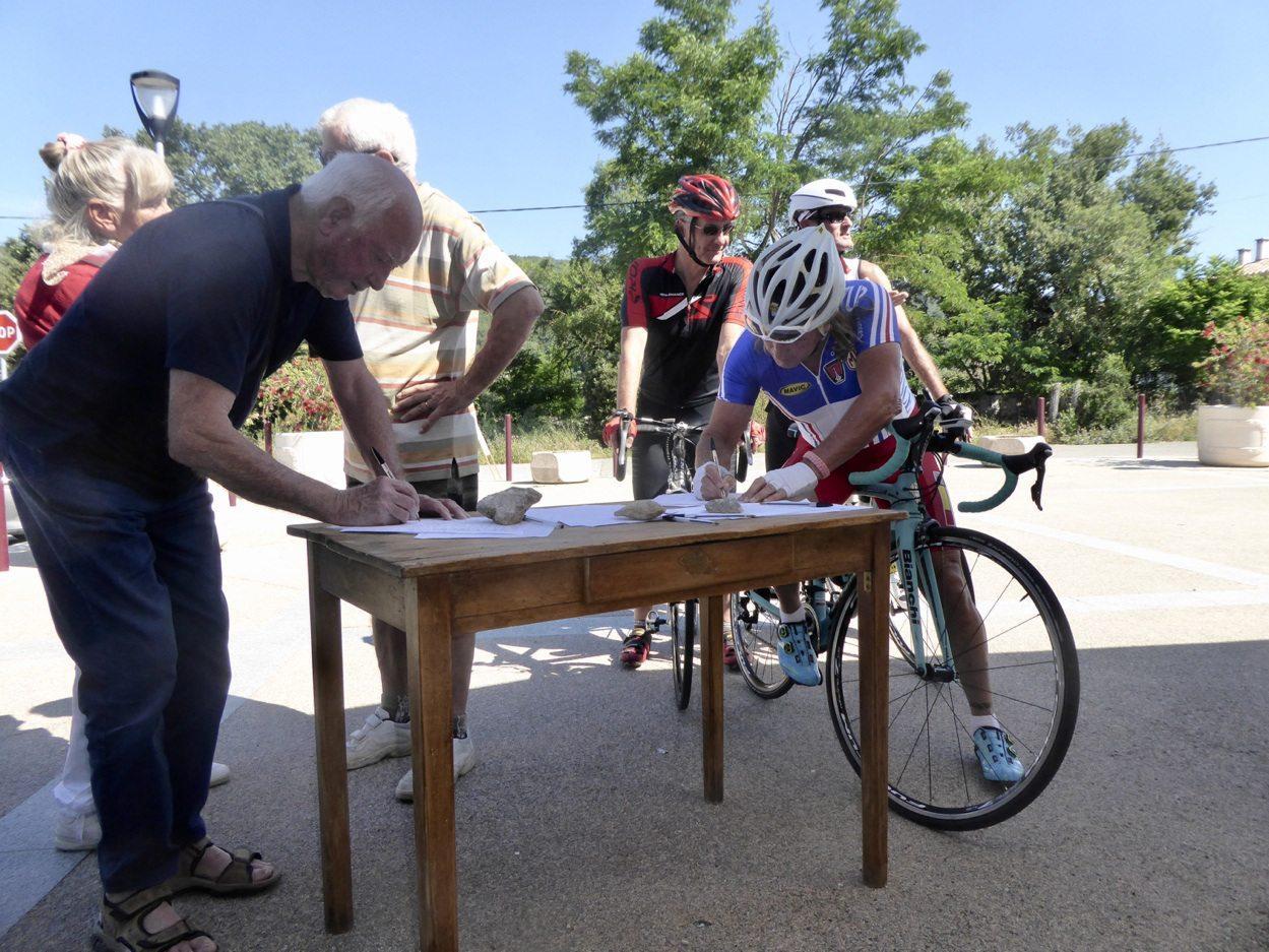 Les cyclistes qui passent par Le Broussan se sentent directement concernés.