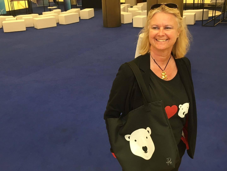Fan depuis l'enfance des ours polaires, Ludovica finance aujourd'hui des actions pour leur protection grâce à la marque Polar Bear.