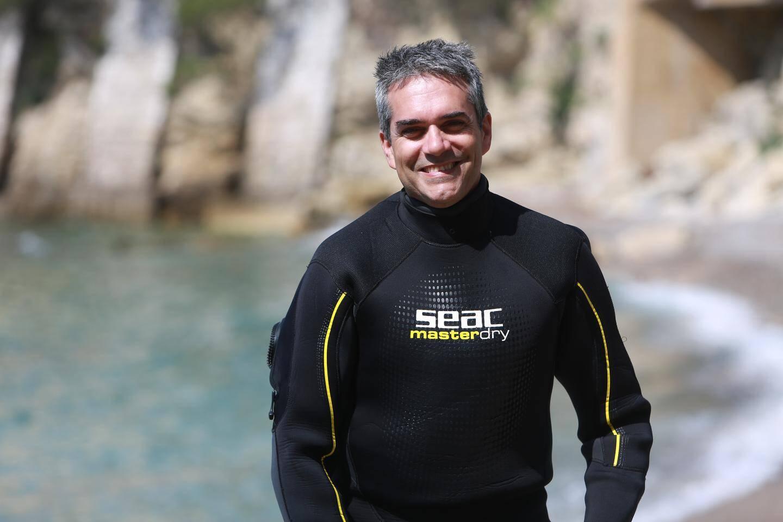 Paolo Guidetti suggère de changer nos habitudes de consommation et de préférer les petits poissons dont les stocks sont en bon état.