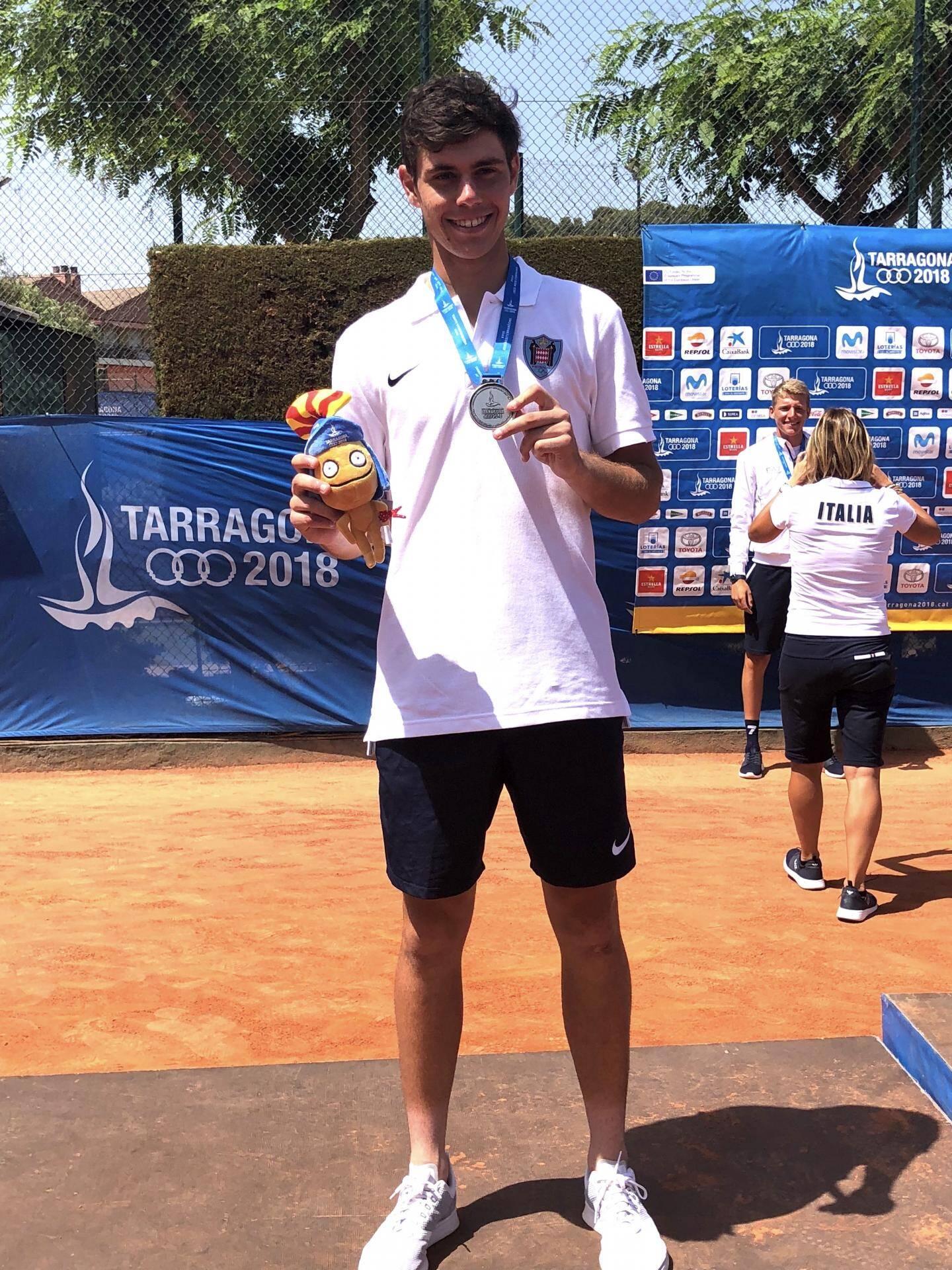 Le sourire du jeune Lucas Catarina (21 ans), après sa belle médaille d'argent en tennis.