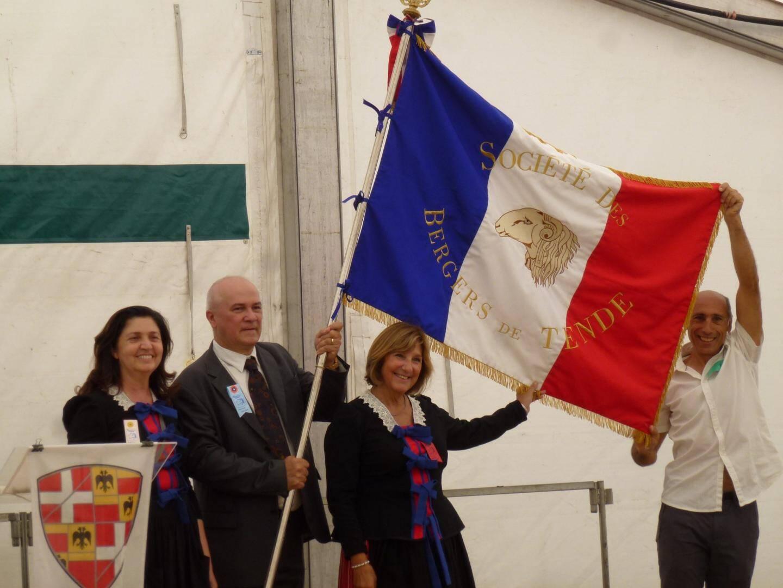 Les prieurs de la confrérie de la Saint-Roch, Guy Franca et son épouse, succèdent à Jacqueline Triton et son mari.