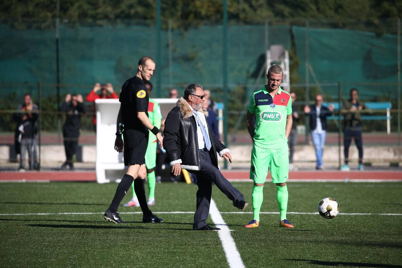 En novembre dernier, il avait donné le coup d'envoi du match de Cagnes-contre le Gazélec d'Ajaccio, un club de Ligue 2, au 7e tour de la Coupe de France.