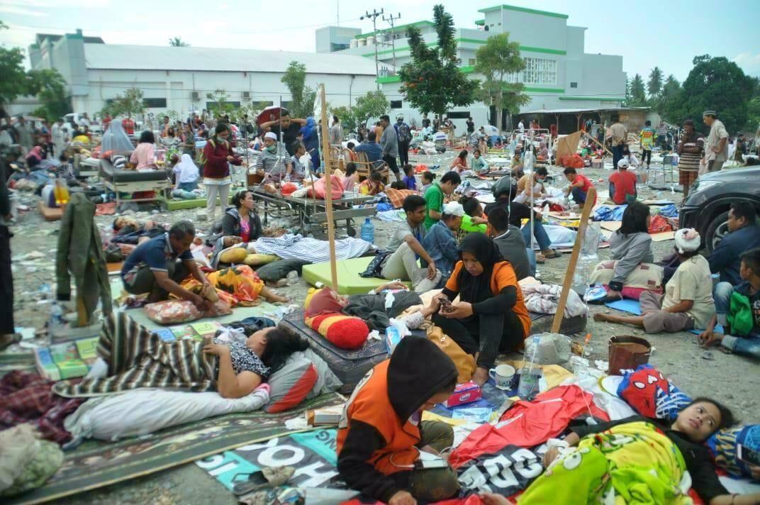 Le séisme suivi d'un tsunami a fait plus de 1 200 morts dans l'île de Célèbes.