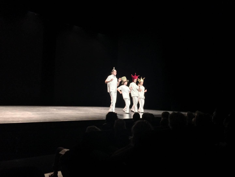 Le quatuor mis en scène par Zabou Breitman dont son fils Antonin (2e à droite).