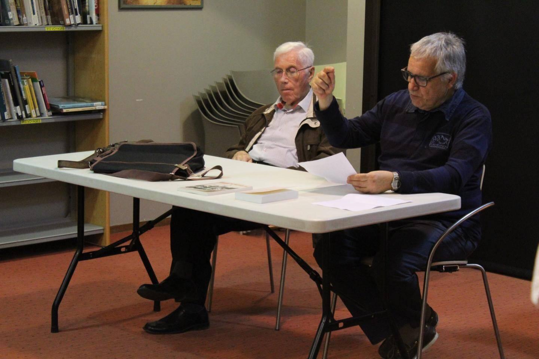 Les écrivains contemporains Miquèu Arnaud, d'Auriol, et Glaudi Barsotti, de Marseille.