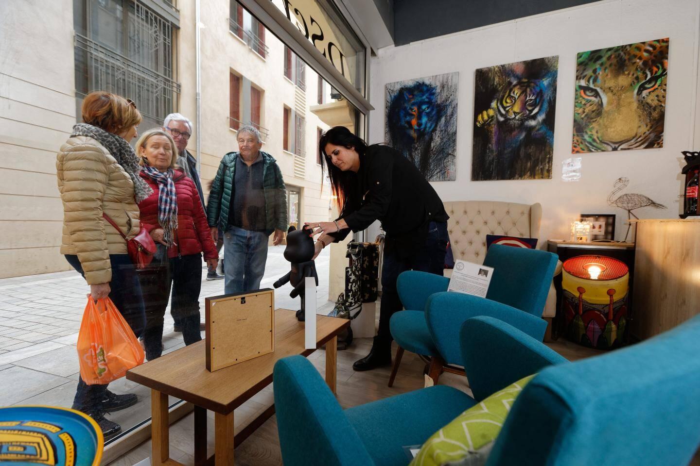 Grâce à la réhabilitation de la rue des Arts à Toulon, le public revient petit à petit en centre-ville.