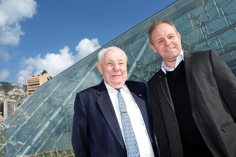 Jean Noaro et son fils, Jean-François, aujourd'hui à la tête de l'entreprise Noaro Frères, en 2014, devant le Grimaldi Forum, dont ils ont refait le système anti incendies.