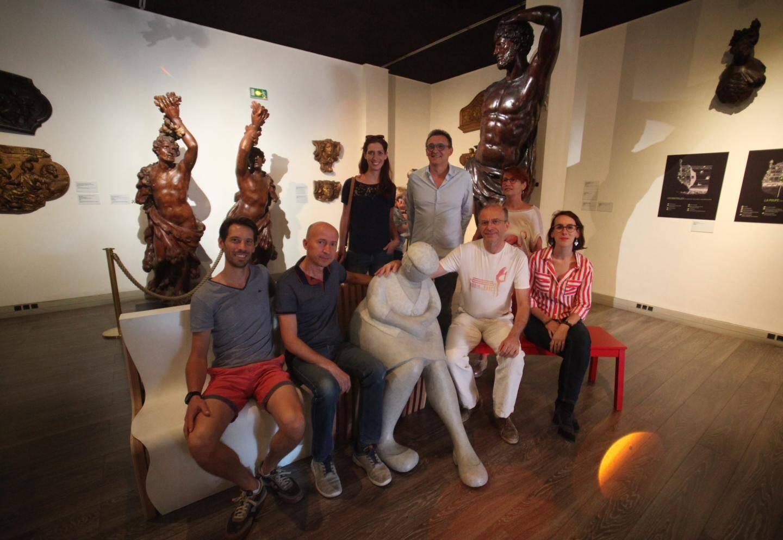 L'association Robin des bancs réunie au musée de la Marine à Toulon, où les assises sont utilisées et mises en valeur.