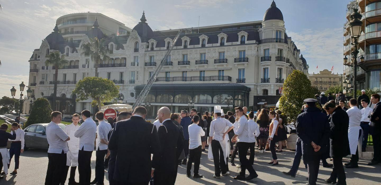 Clients et personnel ont été évacués de l'Hôtel de Paris.