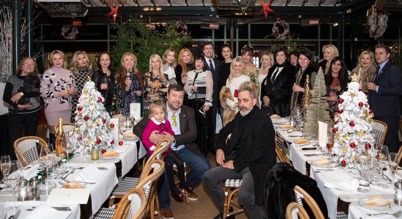 Les membres de l'association Église orthodoxe russe de Monaco se sont réunis autour de l'ambassadeur de Monaco en Russie, Mme Pettiti.(©Association EORM)