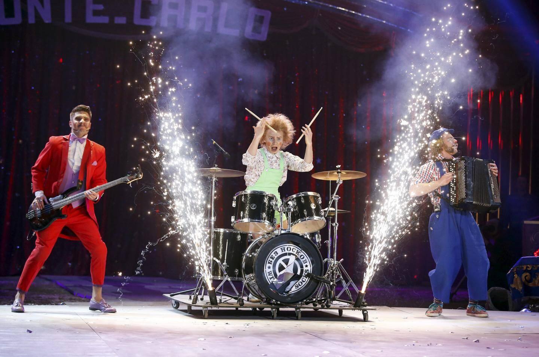 Ils renouvellent le genre : Artem Babilov, Maxim Karpov et Konstantin Kopeikiw ont formé ce trio de clowns, Without Socks, qui ne manque pas de mordant. Ils repartent avec un clown de bronze.