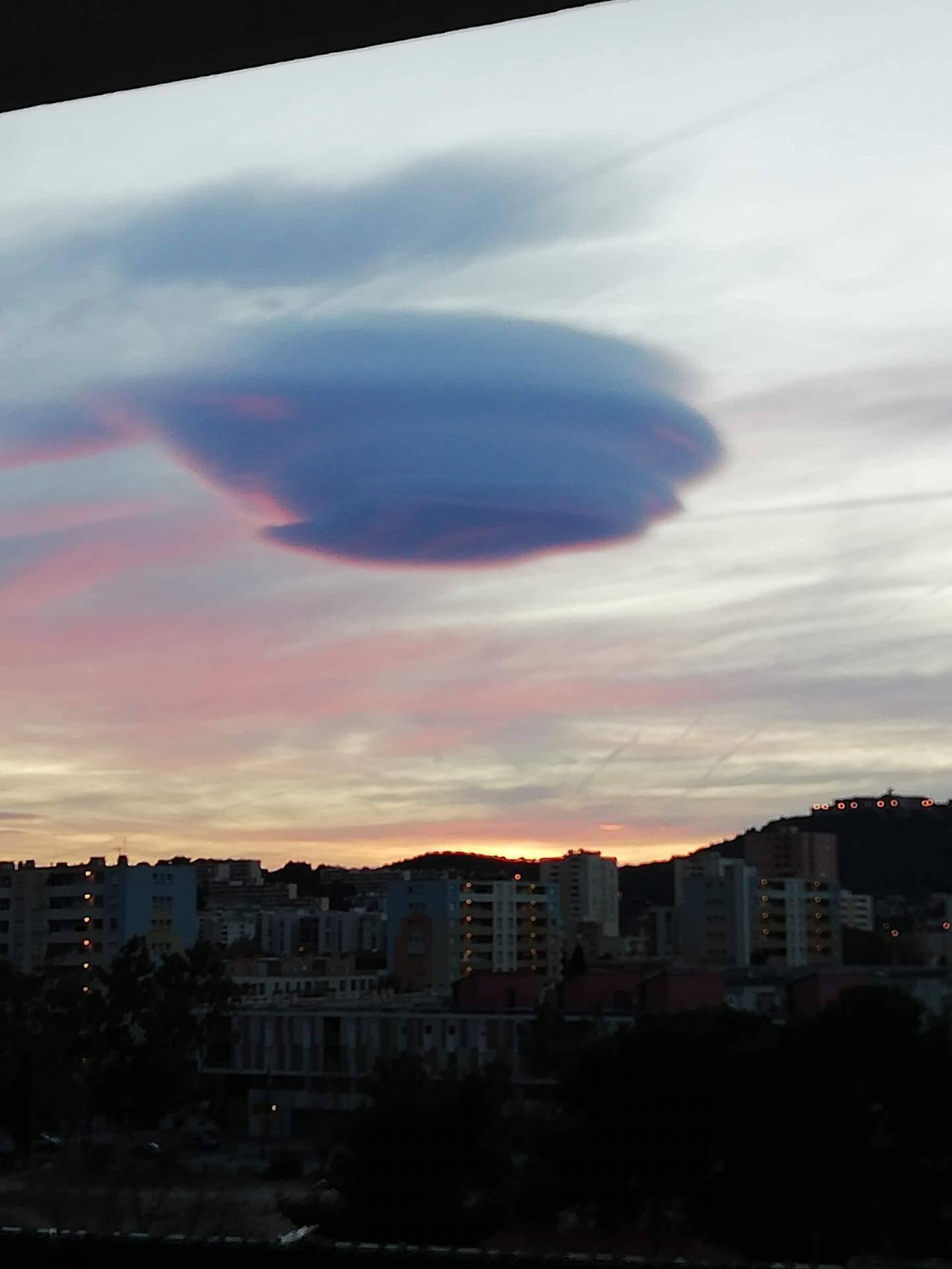 Dans le ciel de La Seyne-sur-Mer.