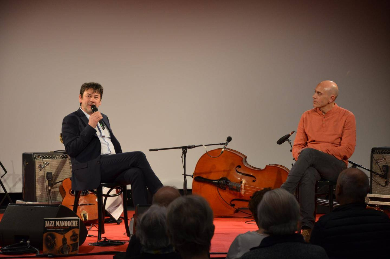 Soirée ouverte par Stéphan Gaffoglio, (à droite). La présentation étant assurée par Jean-Baptiste Tuzet (à gauche).