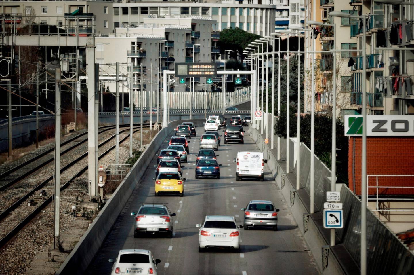 80 000 véhicules empruntent chaque jour la voie Mathis.