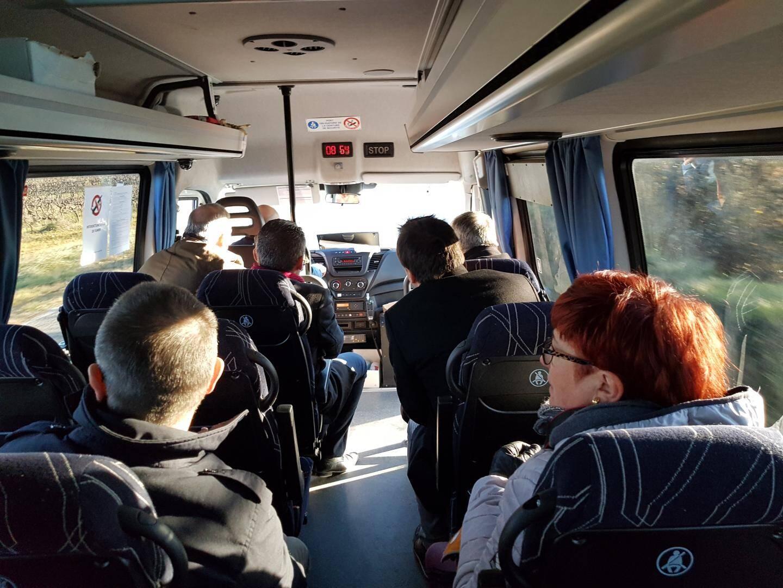 Douze places assises et quatorze debout sont mises à disposition des voyageurs dans les navettes.