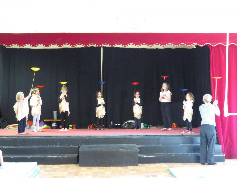 Les enfants ont pu présenter un grand spectacle après une semaine  d'entraînement.
