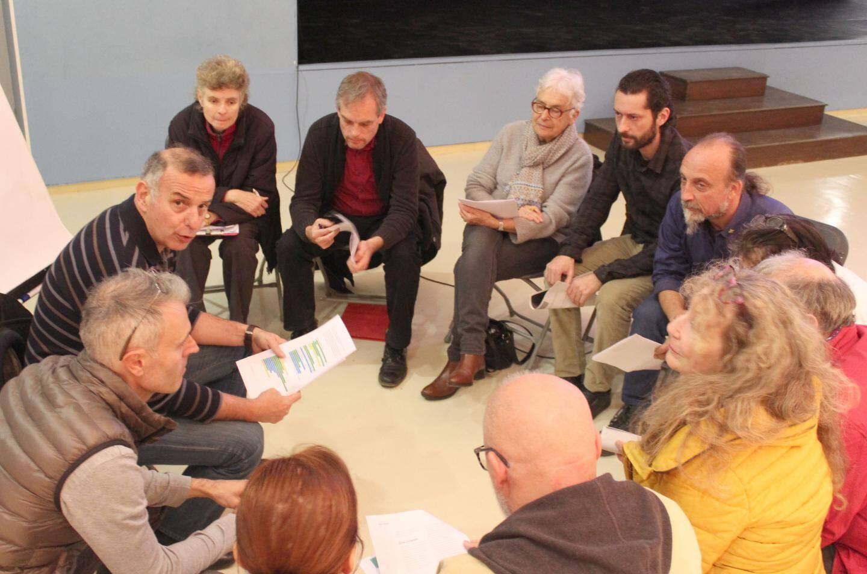 Les partis politiques ont été brièvement abordés sur le thème de la représentativité des citoyens.