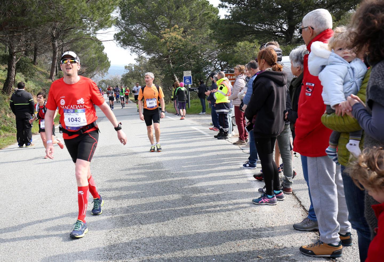 La montée du col de Collebasse... et sa descente resteront le moment fort de la course.
