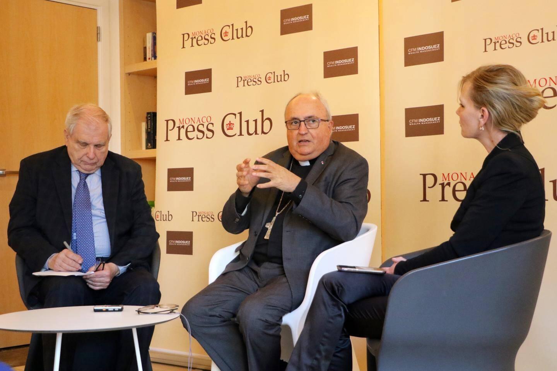 L'archevêque de Monaco a répondu aux membres du Monaco Press Club, au cours d'une rencontre hier matin organisée à la maison diocésaine.