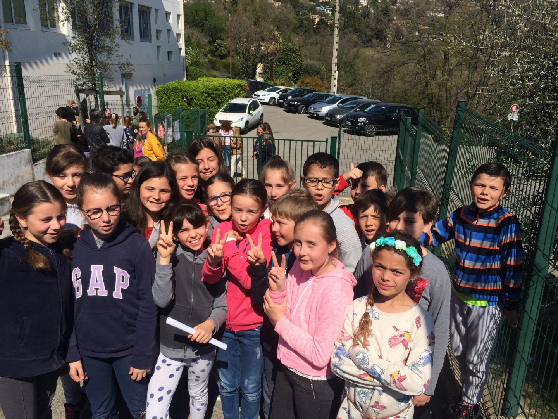 Après plus d'une heure d'écoute, les élèves étaient tous excités pour raconter ce qu'ils venaient de vivre et de partager leur première réflexion.