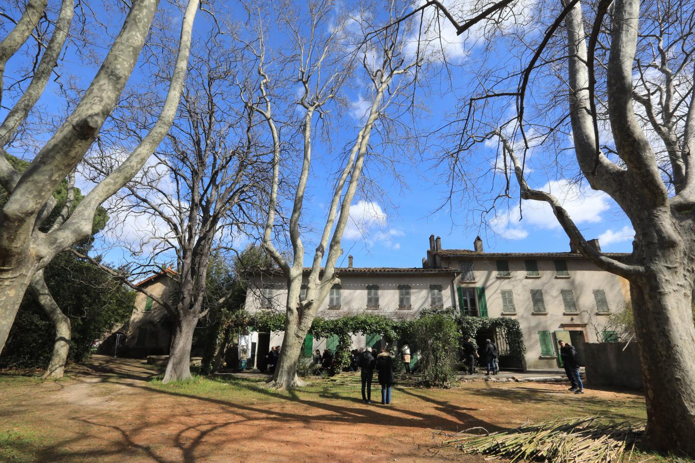 L'intérieur de la villa Simone, comme les éléments extérieurs (ci-dessous, le pigeonnier) feront l'objet d'une restauration, mais l'esprit provençal des lieux demeurera.
