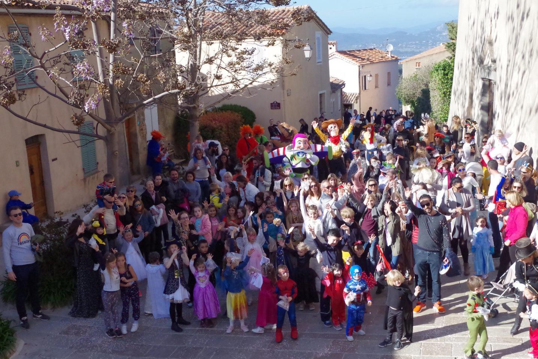 Une multitude de déguisements, tous différents... et tous de bonne humeur !